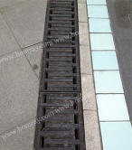 Ductile iron linear drainage channel cover grating - UHR100 Grating